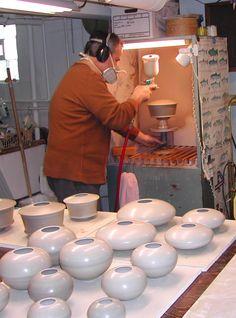 Saggar process,Terra-sigillata is applied