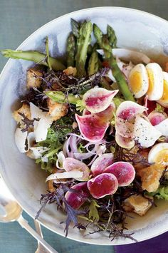 Recipes for panzanella (a Florentine bread salad popular in the summer) typically call for tomatoes, but in the spring, Mike Lata prefers using seasonal ingredients like asparagus and radishes. #foodandwine #comfortfood #comfortfoodrecipes Bread Salad, Crispy Fried Chicken, Food Spot, Best Comfort Food, Asparagus Recipe, Comfortfood, Wine Recipes, Tomatoes, Potato Salad