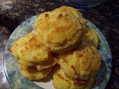 LCHF Garlic cheddar biscuits