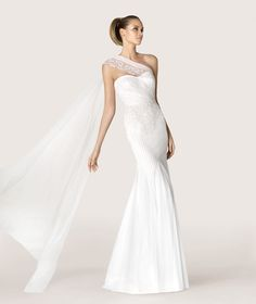 ANTIC - Tulle dress with embroidery. Collection 2015 MODERN BRIDE  | Pronovias