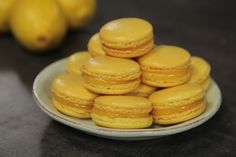 Idas makroner med sitronkrem Lemon Macarons, Sweet Treats, Food Porn, Sweets, Snacks, Cookies, Recipes, Trauma, Crack Crackers