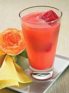 suco de laranja com gelo de beterraba