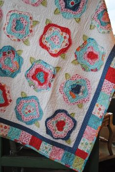 pretty brighter colors than other french rose quilt. tips on french rose quilt Patchwork Quilting, Rag Quilt, Scrappy Quilts, Applique Quilts, Quilt Blocks, Quilt Kits, Mini Quilts, Quilt Top, Quilting Projects