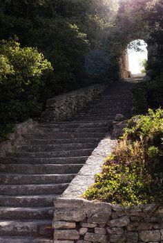 Bonnieux, Provence-Alpes-Cote d'Azur, FR.