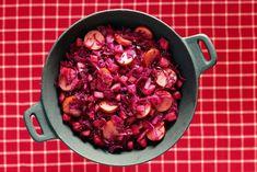 Rodekoolschotel met appel en rookworst - Recept - Allerhande