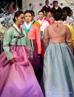 Bahk Sul Nyeo Wedding Hanbok Collection (Korean)