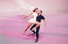 tumblr_m8ftycl5Cz1qb3axzo5_250.gif (245×160) Dance Movies, Concert, Concerts