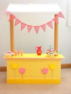 American Girl Doll Play: Doll Craft - Make a Lemonade Stand!