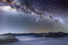 Justin Ng of Singapore caught a bright meteor hurtling across the night sky over Mount Bromo one day before the peak of the Eta Aquarid meteor shower, which results Halley�019s Comet.