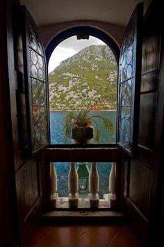 Ablak a vízre