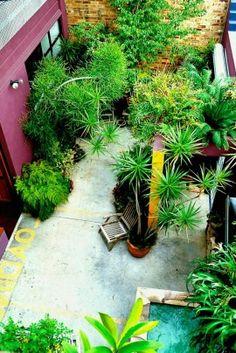 Fascinating Small Backyard Landscape Designs To Your Garden 45 Small Space Gardening, Small Gardens, Outdoor Gardens, Big Garden, Garden Show, Landscaping Software, Landscaping Tips, Small Backyard Landscaping, Backyard Ideas