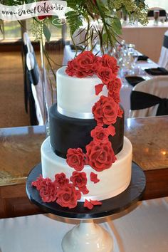Red Rose Wedding Cake except for brown and silver instead of black and whitw