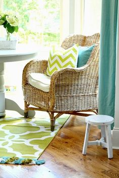 Top This Top That: Keeping Room Changes