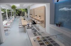 Frozen Yogurt and coffee shop by Stones and Walls