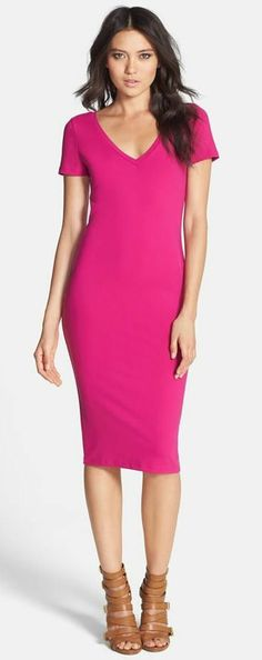 fuchsia body-con dress. simple but effective.