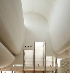 Bagsvaerd Church in Copenhagen by Jorn Utzon, 1976 Scandinavian Architecture, Sacred Architecture, Religious Architecture, Church Architecture, Architecture Details, Interior Architecture, Cultural Architecture, Ceiling Detail, Ceiling Design