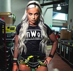 Wwe Female Wrestlers, Female Athletes, Becky Wwe, Wwe Pictures, Paige Wwe, Taylor Swift Videos, Wwe Girls, Wrestling Divas, Wwe Womens