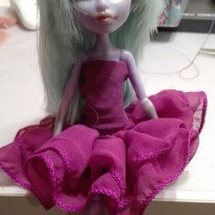Little monster high dress in violette