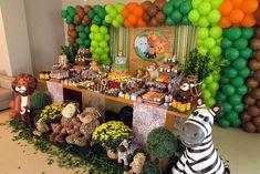 #personalizados #resultado #imagem #safari #festa #para #deResultado de imagem para personalizados festa safari Jungle Theme Parties, Safari Theme Party, Safari Birthday Party, Jungle Party, Circus Birthday, Boy Birthday Parties, 1st Birthday Themes, Childrens Party, Balloon Decorations