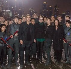 I love this photo so much. On set divergent. dauntless capture the flag group pic