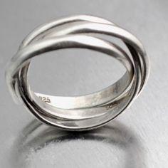 Magnifique triple anneaux en argent à 39,90€. Dispo en de nombreuses tailles sur www.silvershop.fr