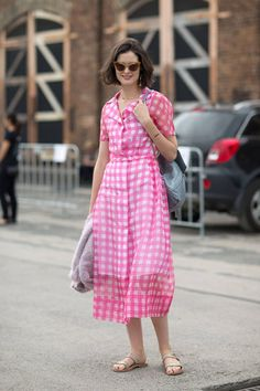 See the latest street style from Australia Fashion Week here.