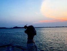 180801 雖然一個人要價不算便宜 但我覺得這趟海上晚餐很值得 夕陽西下的美景搭配新鮮的食材 光著腳ㄚ踩在甲板上吹海風 跟家人在船上促膝長談 重點是每到菜都是現撈海鮮 有來澎湖玩的一定要來體驗一下 #澎湖 #travel #trip #family #love #dinner #sunset #view #foods #fresh #ship #girl #ocean #photography #model #like4like #likeforlike