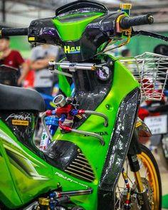 selamat siang😋 #wave110i125i_ #wave125 #wave125i Honda Wave 110, Honda Motorcycles, Cars And Motorcycles, Drag Bike, Moto Bike, Street Bikes, Custom Trucks, Race Cars, Waves