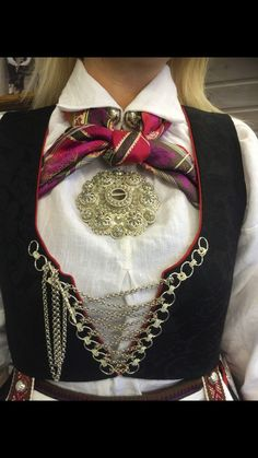Vest-Agder bunad | FINN.no Norway, Vest, Costumes, Embroidery, Amazing People, Accessories, Jewelry, Fashion, Beauty