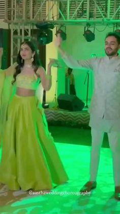 Ballet Dance Videos, Girl Dance Video, Wedding Dance Video, Dance Tips, Dance Choreography Videos, Bridal Songs, Indian Wedding Songs, Beautiful Girl Dance, Dance Outfits