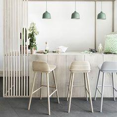 Deco Design, Design Moderne, Kitchen Chairs, Bar Chairs, Pink Chairs, Danish Design Store, Muuto, Counter Bar Stools, Nerd