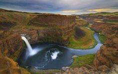 Palouse Falls, Washington: Washington's Palouse River flows southwest until it drops down into a can... - Getty Images/iStockphoto, iStockphoto