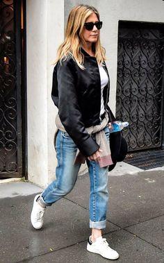 Jennifer Aniston Style, Jenifer Aniston, Grey Fashion, Look Fashion, Autumn Fashion, Jeans Fashion, Boyfriend Jeans, Look 2017, Rolled Up Jeans