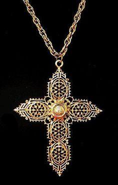 Necklaces – Page 13 – Modern Jewelry Cross Jewelry, Old Jewelry, Modern Jewelry, Gold Filigree, Religious Jewelry, Gold Cross, Gold Pendant Necklace, Metal Chain, Cross Pendant