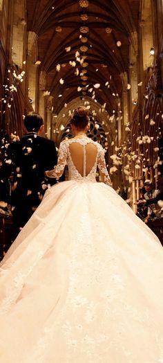 Lovely wedding dress!