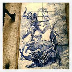 An amazing #saintgeorge in #majolica #ceramic #lisboa #sangiorgio #lisbona by zebagram