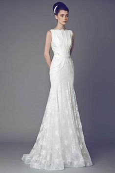 Tulipe - Off White Lace gown with boat neckline, wires on the bodice and belted waist.