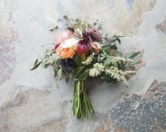 We love the look of a bare stem wedding bouquet! It really allows the flowers to pop and have a strong presence and it is a great option whether you are using bold flowers or minimalist flowers. Today we have put together a rustic wedding bouquet that makes our eyes so happy! If you are making your own bouquet, you get to pick everything you want and we suggest going stem by stem like we did to end up with the perfect arrangement. Happy arranging! What we used : Tall Glass Vase / Clipper...