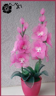 Felt Flower Wreaths, Felt Flowers, Diy Flowers, Beaded Flowers, Nylon Flowers, Cloth Flowers, Fabric Flowers, Paper Flowers, Ikebana Flower Arrangement