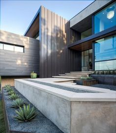 Modernes Haus mit imposanten Ausblicken auf Austins Skyline