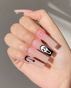 Edgy Nails, Aycrlic Nails, Grunge Nails, Stylish Nails, Trendy Nails, Swag Nails, Coffin Nails, Black Nails, Stiletto Nails