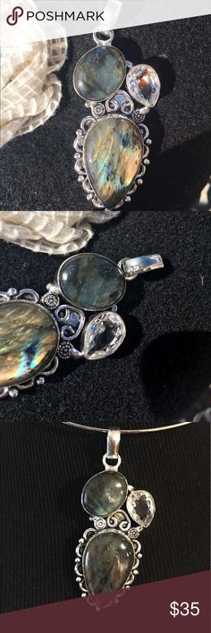 """🌻🌻.925 silver LABRADORITE PENDANT STUNNING!!🌻🌻 This is a .925 Sterling pendant labradorite and it is gorgeous!!!   2 7/8"""" drop.   It's a stunner.  Matches earrings I will be posting later.  This post is for pendant only.  Gorgeous.  Simply gorgeous.  🌻🌻 Jewelry"""