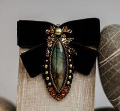 Купить Marquise De'Coleoptere - черный, оранжевый, рыжий, зеленый, брошь-бант, маркиза, жук