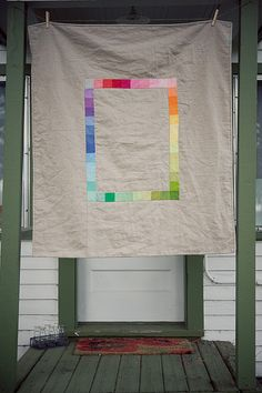 Kona and linen is always a winning combo! Kona challenge quilt by Traci Turchin.