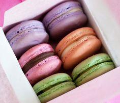 Assorted Set of 24 Macaroons – Macaroon.com - Online Macaroon Bakery