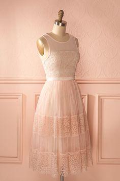 Kinnia Bonbon - Light pink a-line tulle dress with open back