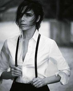Photos : Victoria Beckham : Boyish Et Élégante En Une De Vogue Allemagne !