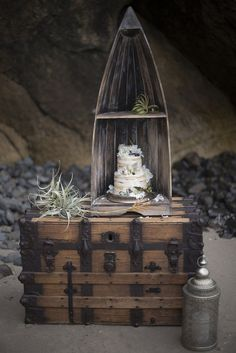 Shipwrecked wedding inspiration with Sweetheart Cake sweetheartstjohns.com Photography: Ellie Asher Photography