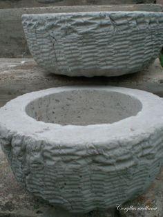 Koreihin valetut betoniruukut