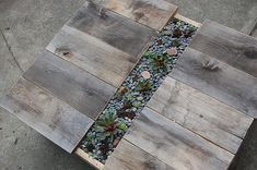 Shipping  pallet < table with plant center